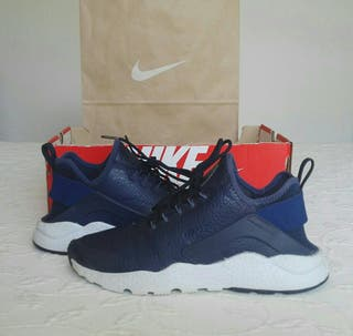 Zapatillas Nike Air Huarache Run Ultra.