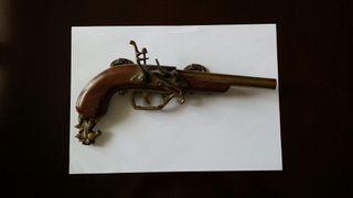 Pistola antigua de colección