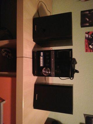 equipo de sonido panasonic + 2 discos