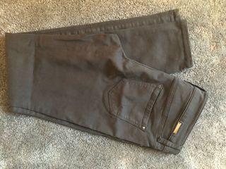 Pantalón gris talla 38
