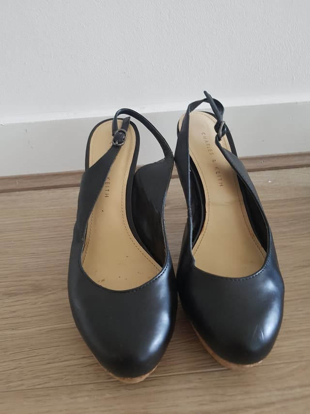 Leather shoes, fancy and comfortable, size 37