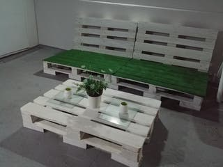 Conjunto mesa y sofá de palets