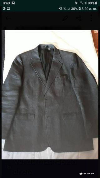 Estupendo traje caballero de lino. Zara