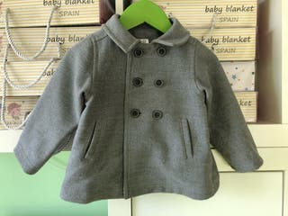 Abrigo bebé 6-9 meses en perfecto estado 15€