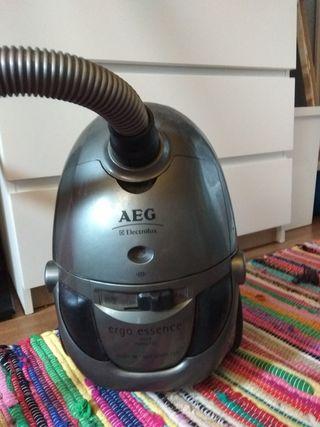 aspirador AEG ergo essende 4575