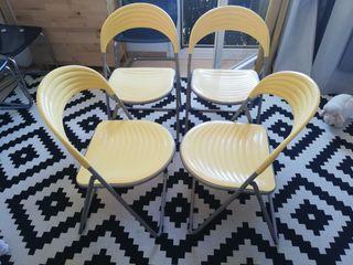 4 sillas amarillas plástico plegables 30€