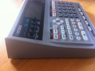Caja de ritmos Boss dr-880