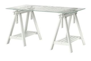 Mesa cristal con caballetes Ikea
