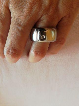 Anillo de plata con diamante mini.
