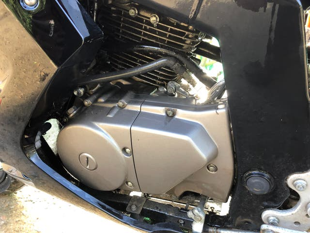 Despiece Hyosung GT250Ri inyección gasolina