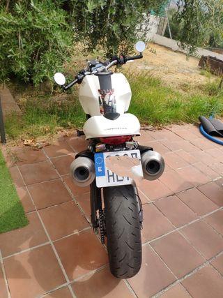 Ducati Monster 696 Abs