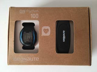 Reloj con medidor de frecuencia cardíaca