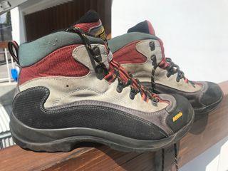 Zapatillas media caña goretex ASOLO