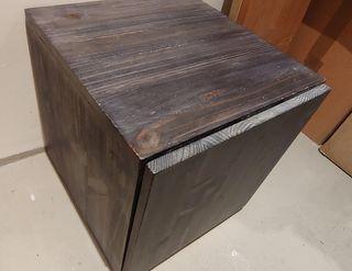 Se vende pequeño mueble madera maciza