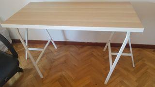 Mesa de estudio ikea y sillón