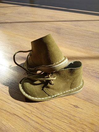 zapatos de ante marrón talla 24