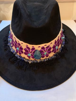 Chapeau fait à la main