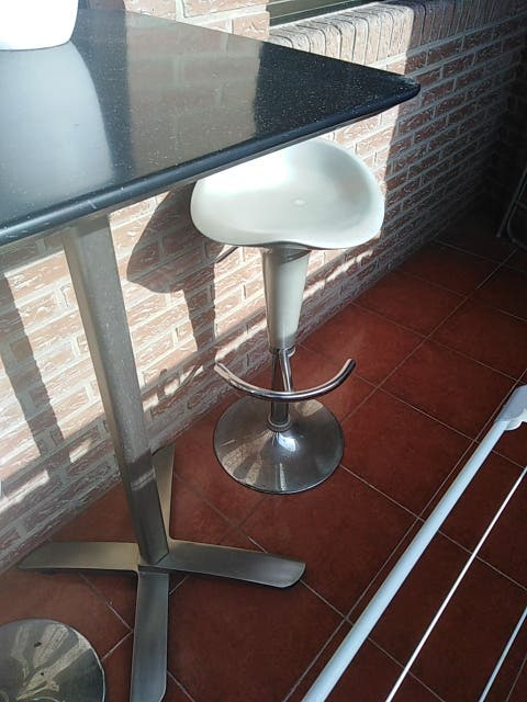Muebles balcón, terraza. Altura sillas graduable
