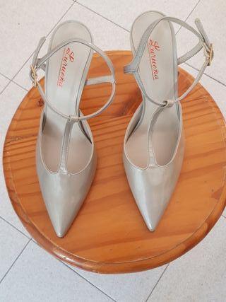 Zapatos de salón Lureña