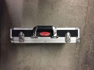 Se vende maleta para pedales de guitarra