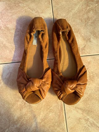 Zapatos planos marrones ante