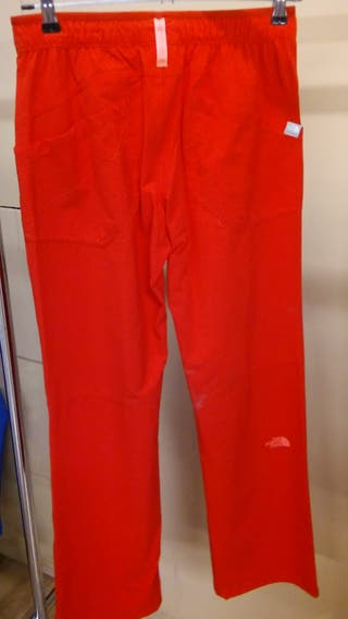 Pantalones deportivos The North Face24.95