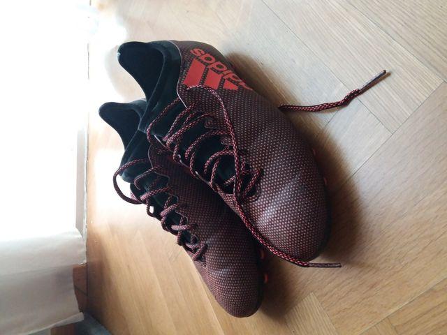 Botas tacos fútbol Adidas