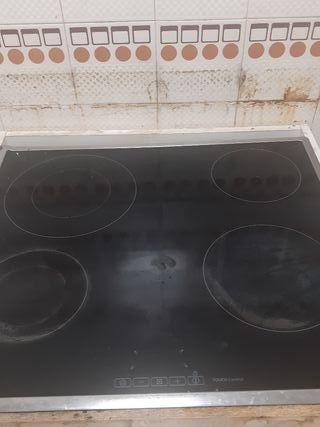 vitroceramica,horno y campana extractora