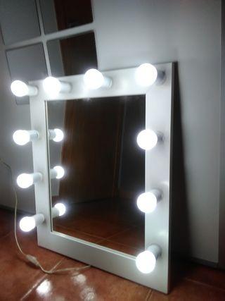 Espejo de camerino.Con luz led incluida.