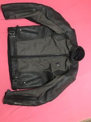 Traje chaqueta y pantalón REVIT IGNITION 2