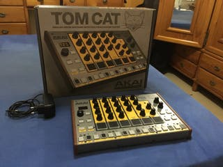 Akai Tom Cat - Caja de ritmos