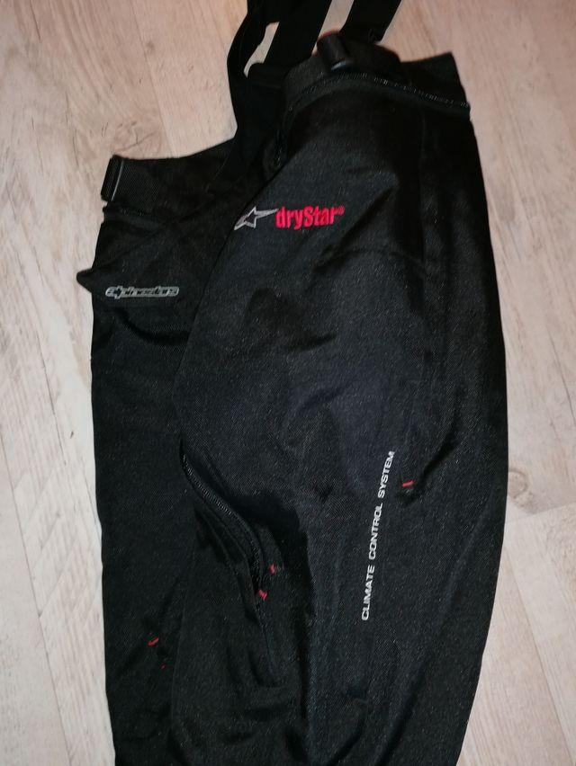 Pantalon de cordura alpinestars para motorista.