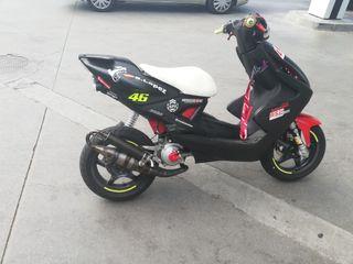 Yamaha Aerox.
