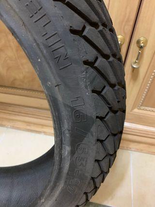 Neumático trasero lluvia supermotarf