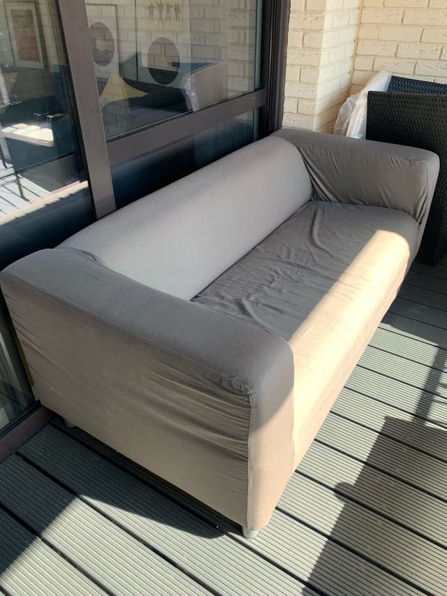 Sofa out/indoors
