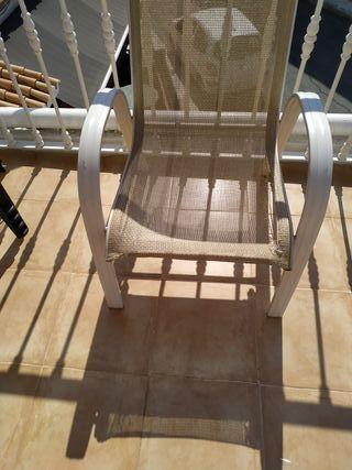 masa y 6 sillas mide 167x67 y de alto 70