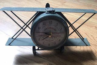 Plane Shaped Clock