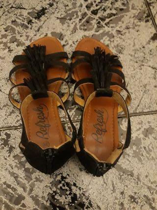 sandalias de la marca refresh color negro