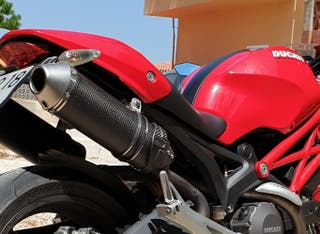Escapes Ducati Monster 696 y 796