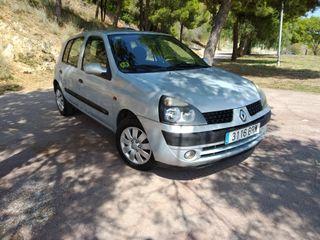 Renault Clio en perfecto estado