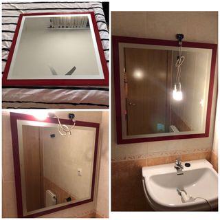 Espejo de baño rojo