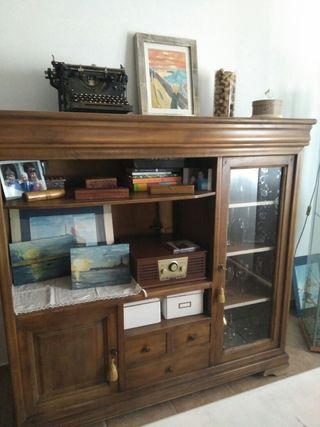 Mueble, vitrina, aparador de madera macizo