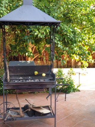 Barbacoa artesana de forja