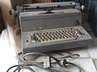 Máquina de escribir Olivetti Tekne 3