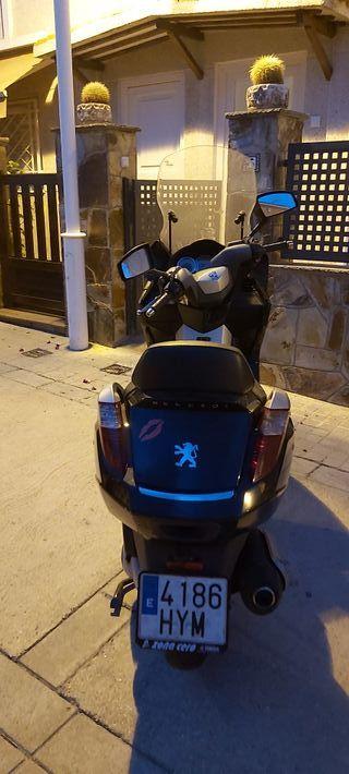 Moto 250cc peugeot satellis executive abs
