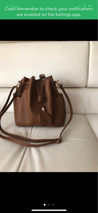 Bolso color marrón -camel