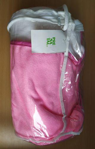 Toalla de natación rosa-blanca de niña.