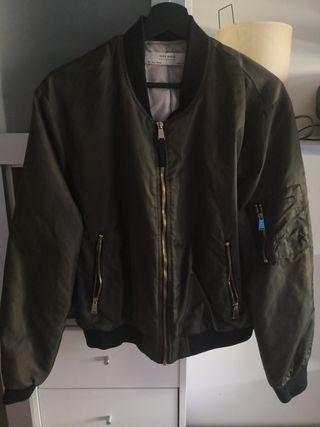 ZARA chaqueta militar de segunda mano por 15 € en Madrid en