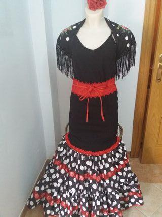 Traje flamenca nuevo talla unica tonos rojos