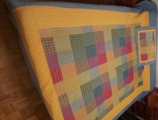 Colcha para cama de 135-150 x 190cm con cuadrante.